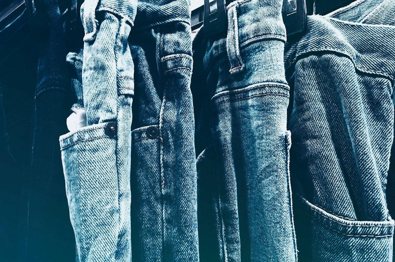 De geschiedenis van de spijkerbroek